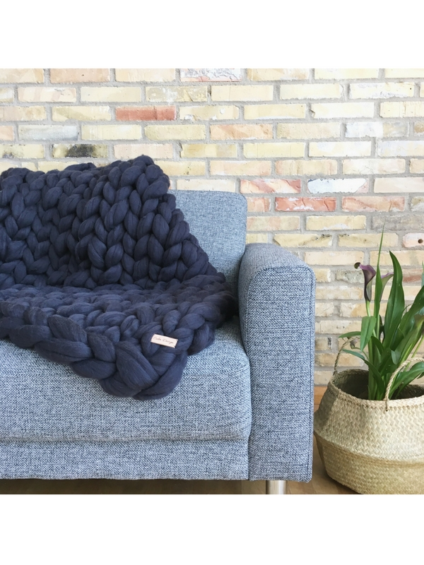 Calm Design Chunky Plaid - Koksgrå - 100 x 130 cm.